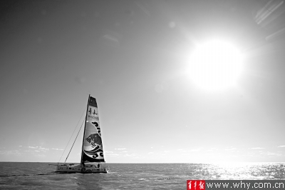 经过合恩角(智利南部合恩岛上的陡峭岬角,位于南美洲最南端)的时候,浪