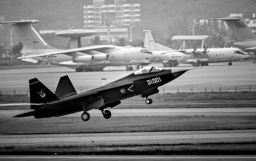 中国第一架超声速飞机